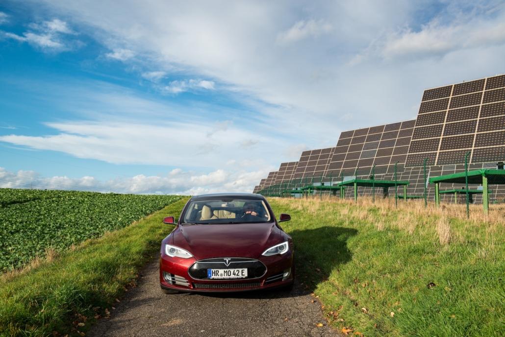 Tesla Model S und die Sonnenenergie
