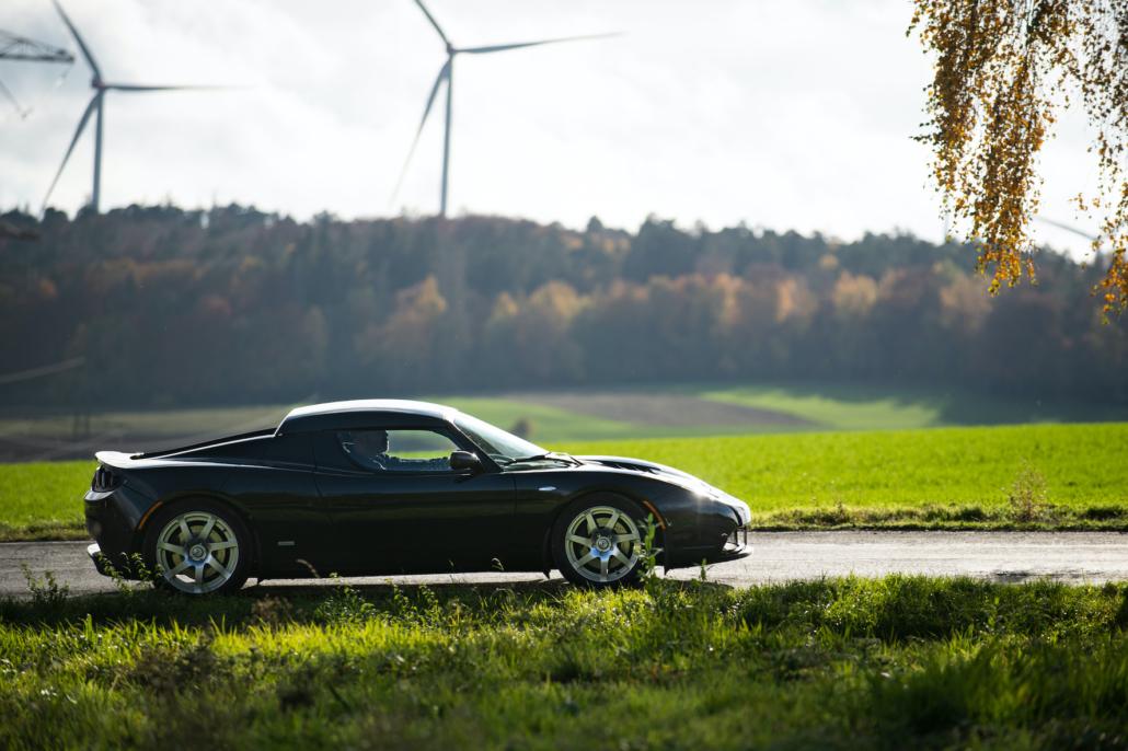 Tesla Roadster und die Windenergie