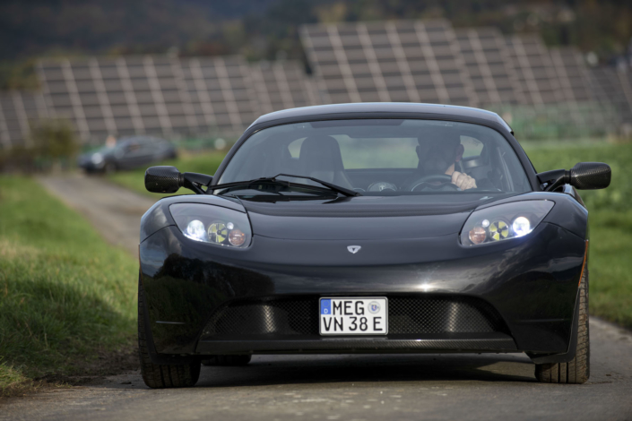 Tesla Roadster - sicher in die Zukunft