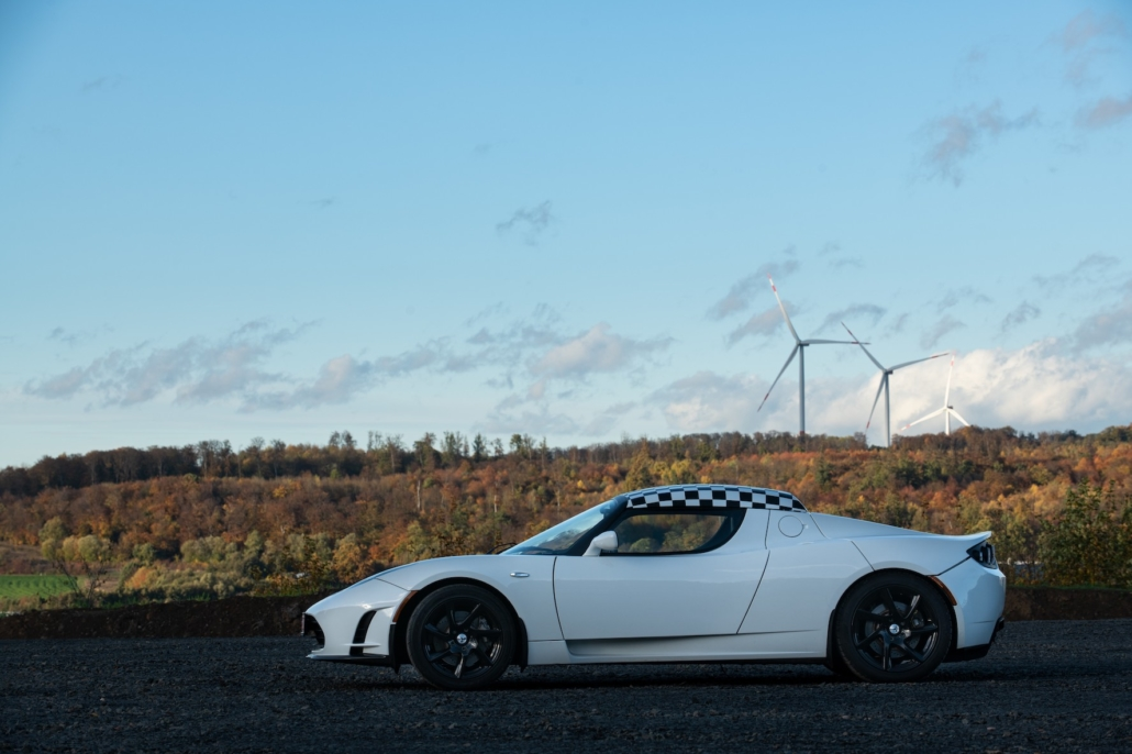 Tesla Roadster am neuen Standort