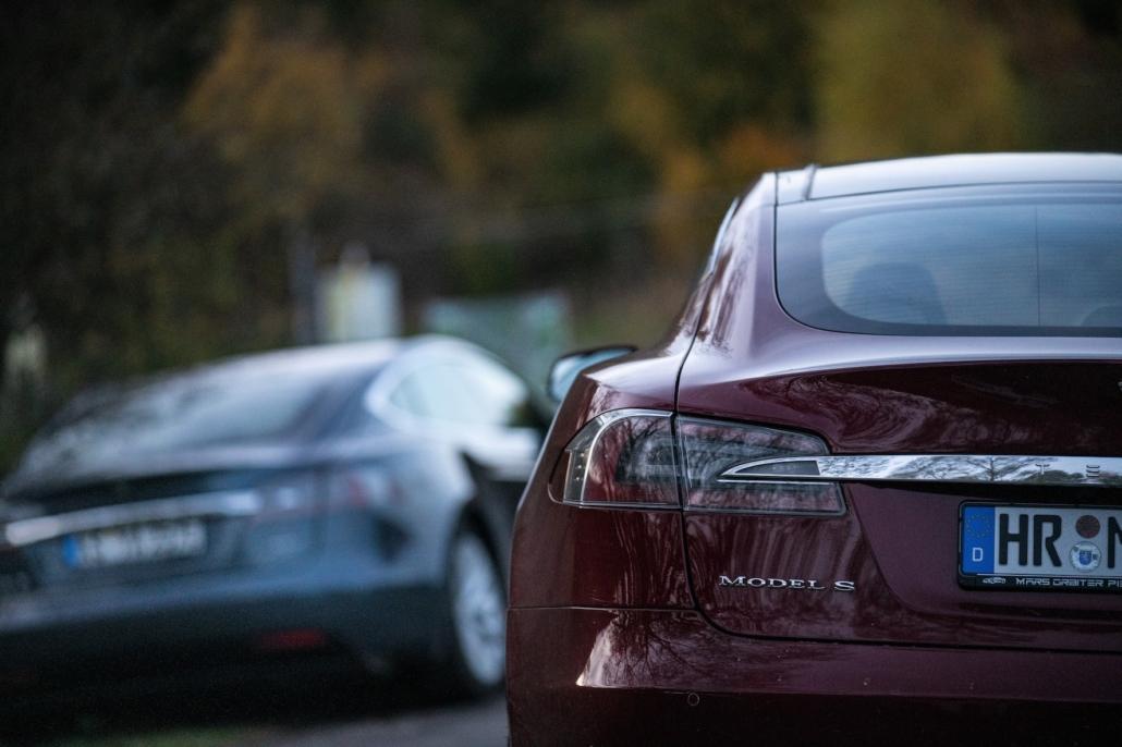 Tesla model S in a duo
